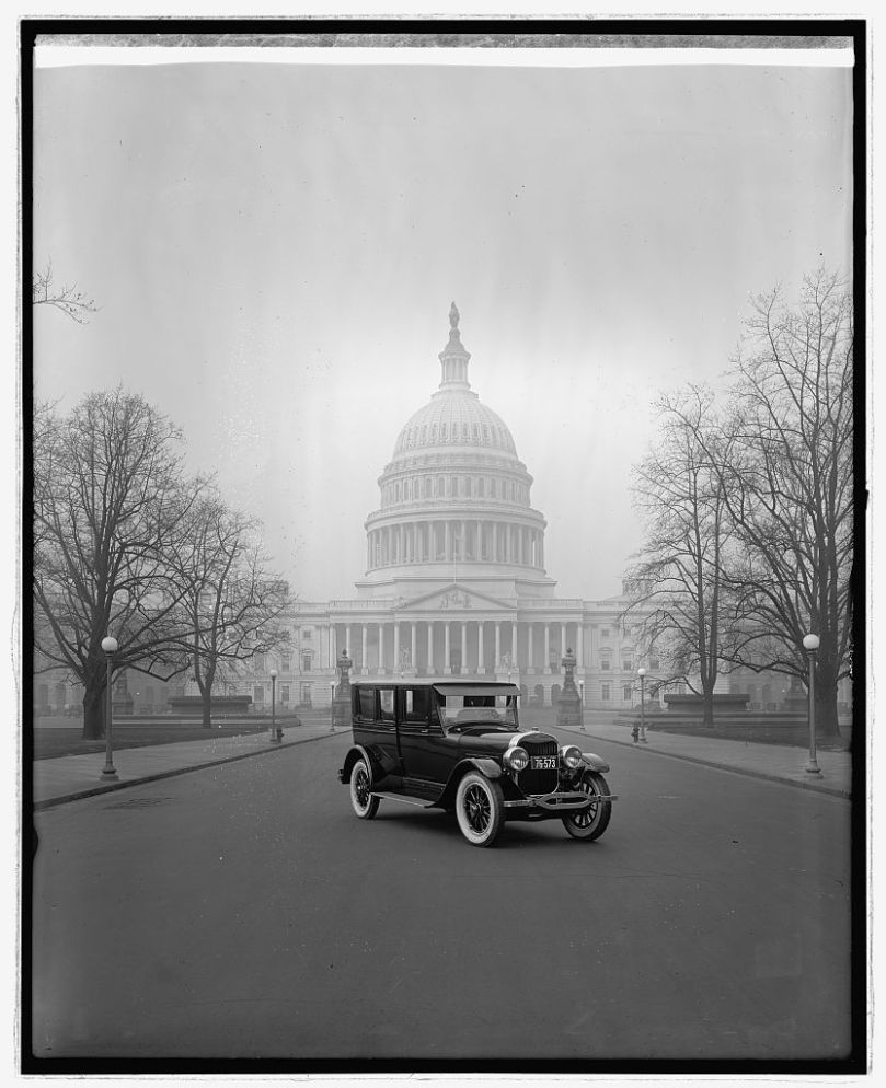 Ford Motor Co., Lincoln at Captiol, [Washington, D.C.] [between 1910 and 1935] National Photo Company Collection (Library of Congress)