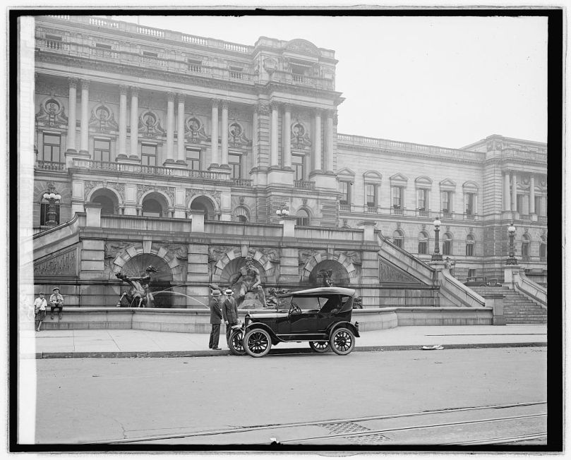 Ford Motor Co. Ford touring car at Library [of Congress, Washington, D.C.] [between 1910 and 1926] National Photo Company Collection (Library of Congress)