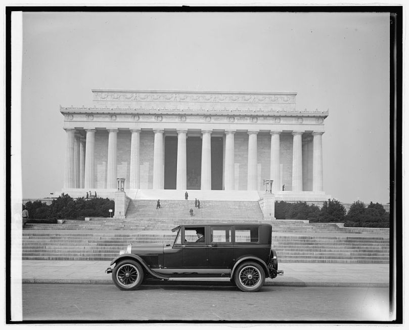 Ford Motor Co. Lincoln at Lincoln Memorial, [Washington, D.C.] [between 1910 and 1926] National Photo Company Collection (Library of Congress)