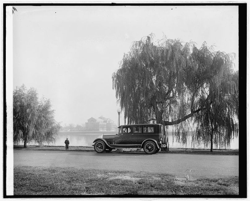 Ford Motor Co. Lincoln at War College, [Washington, D.C.] [between 1910 and 1926] National Photo Company Collection (Library of Congress)